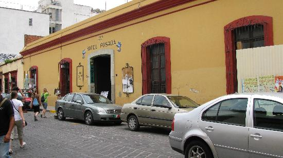 La Casa de la Tia: The street La Casa is located on is lined with shops and great restaurants at affordable prices.