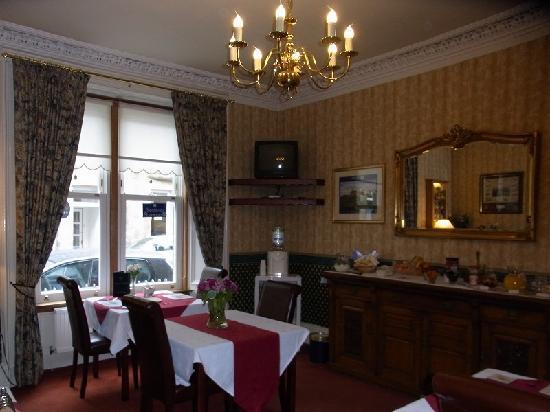 Glenderran Guest House: comfortable restaurant