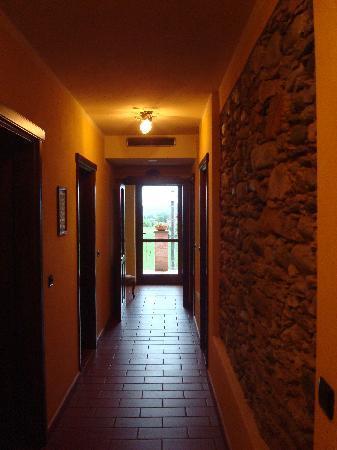Agriturismo La Virginia: hallway