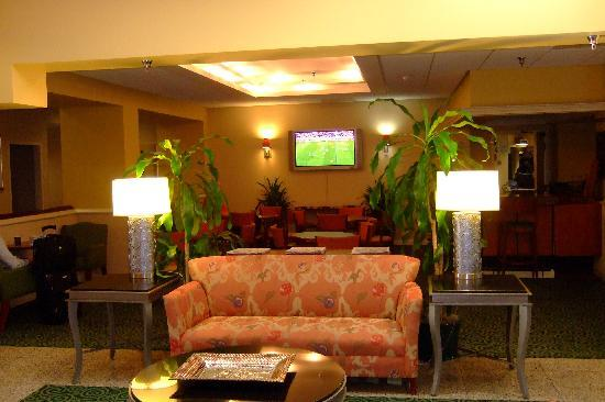 Courtyard by Marriott Riverside UCR/Moreno Valley Area: Reception area, pleasant for watching NBA finals