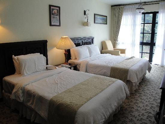 โรงแรมเดอ ลา เฟิร์นส: Triple Room with a Queen and Single Bed