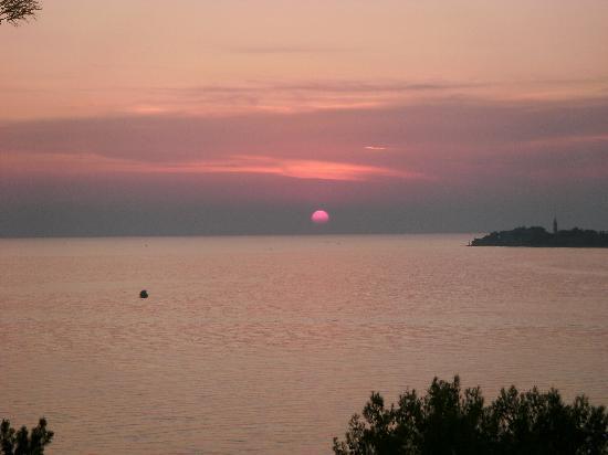 Camping Resort Lanterna : Sonnenuntergang vom Blick unseres Mobilheimes
