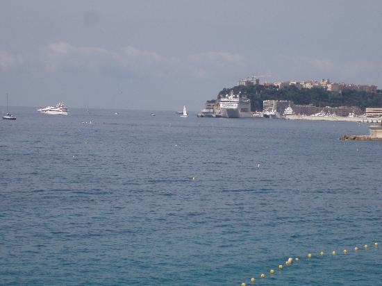 Monte Carlo Beach Hotel : VUE DE LA CHAMBRE 2