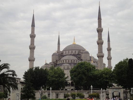 Nena Hotel : Mezquita azul: obligación de verse