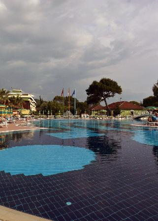 Albânia: Pool at the Tropikal Hotel, Durrës