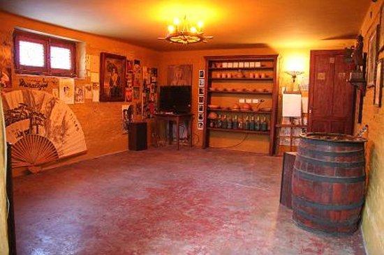 Matienzo Haus: Cellar
