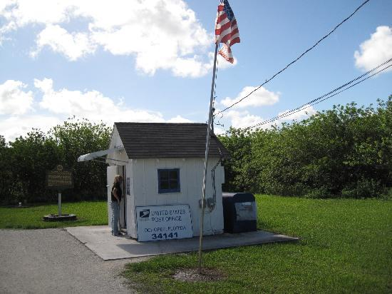 Ochopee Post Office: Smallest post office in the U.S. !