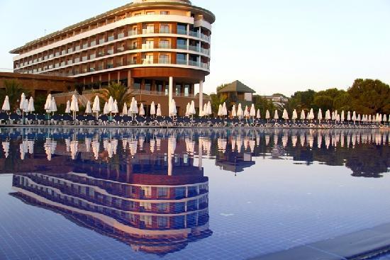 Voyage Belek Golf & Spa: View from pool