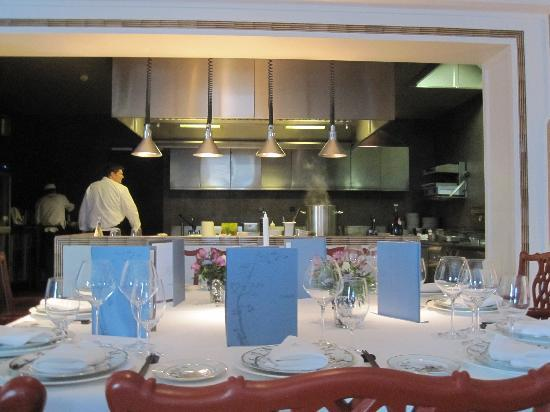 Finca Cortesin Hotel, Golf & Spa: Private group dinner at the chef's table in Schilo