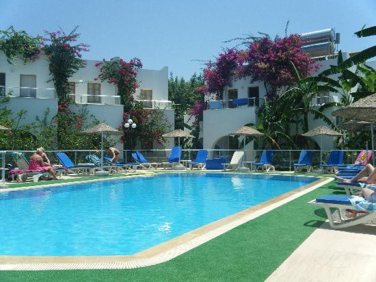 Filis Otel: Pool area