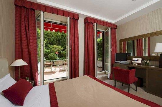 room superior hotel dei borgognoni rome italy