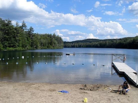 Lapland Lake Nordic Vacation Center: Beach and lake