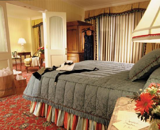 Grand America Hotel : A room
