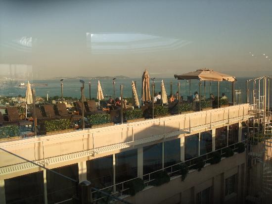 BEST WESTERN PLUS The President Hotel: sun deck