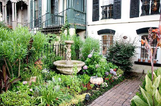 The Beautiful Lush Garden Courtyard Picture Of The Olde