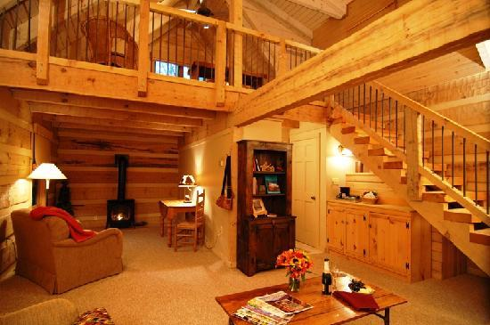 Savage River Lodge: The downstairs of the cabins offer all of the creature comforts, such as sink-into furniture, ga