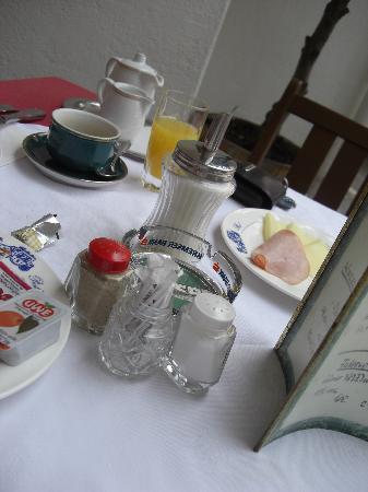 Alte Post: Frühstückstisch