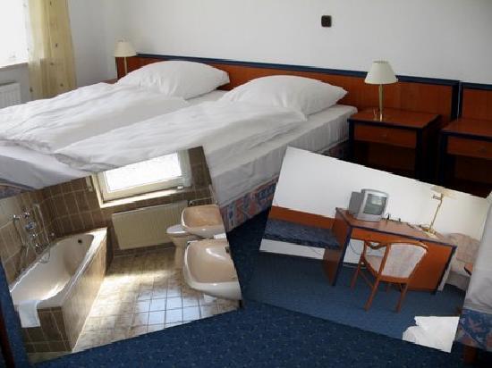 Wolterdinger Hof: Dreibettzimmer