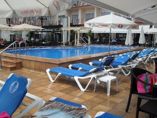 Sol Costablanca: piscina