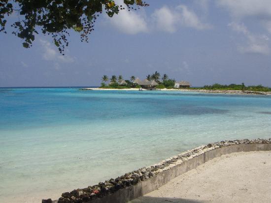 Four Seasons Resort Maldives at Kuda Huraa: spa on a separate island