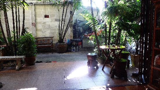 Sri-Ayuttaya Guest House: Entrée
