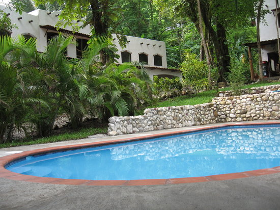 Cuesta Arriba Hotel: Sparkling pool