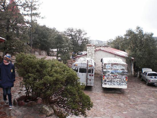 Hotel Mansion Tarahumara: El estacionamiento