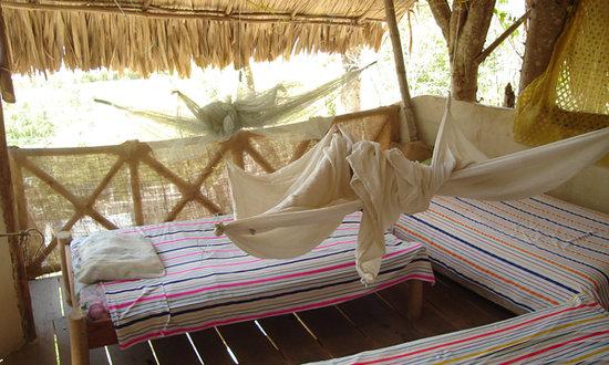 Tikal Sak Luk Lodge: Open air accomodations with view to the lake Peten Itza, near Tikal
