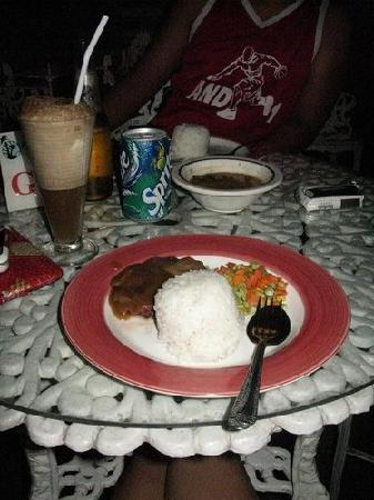 Pacific Pensionne: My dinner, Salisbury Steak and Soda Float