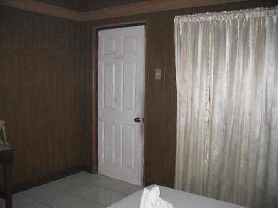 Dumaluan Beach Resort 2: Standard Room