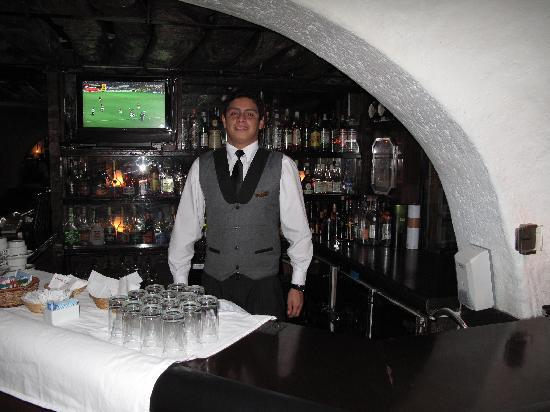El Condado Miraflores Hotel & Suites: Pierre - the bartender who makes your complimentary Pisco Sour