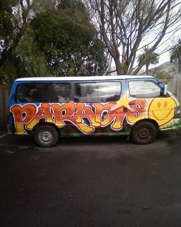 Paradiso Backpackers: Pick up  Van