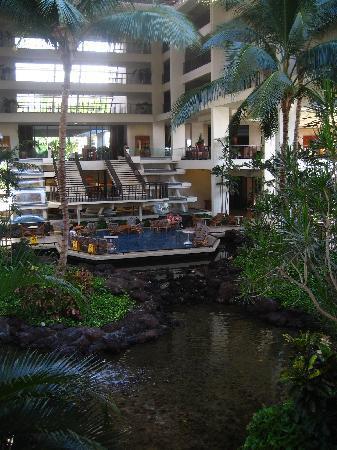 Mauna Lani Bay Hotel & Bungalows: hotel interior