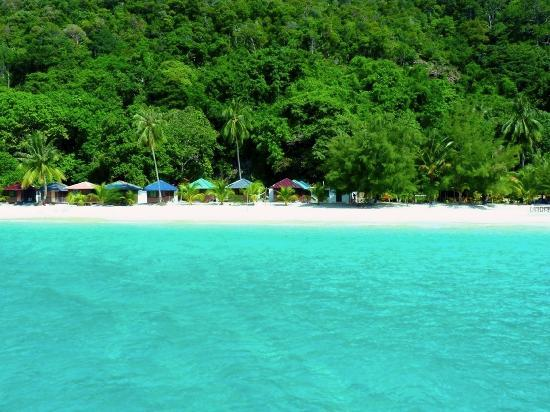 Redang Mutiara Beach Resort: private beach