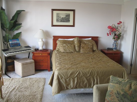 Wyndham Royal Garden at Waikiki: Spacious studio