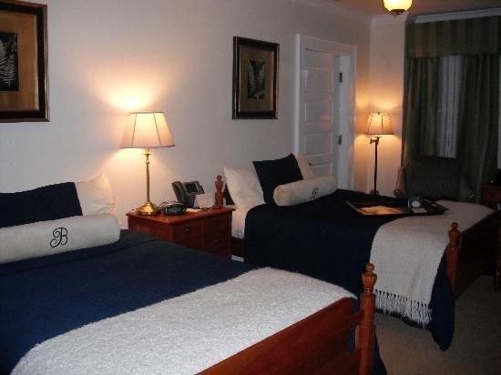 Boone Tavern Hotel: Very comfortable memory foam mattresses!
