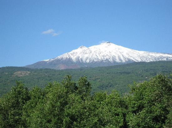 Il Nido dell'Etna : Etna from our room 7th June
