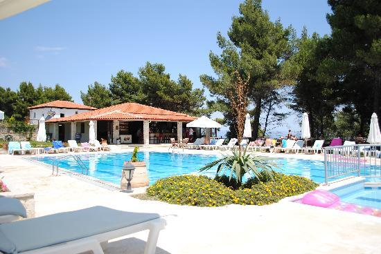 Nostos Hotel: The outdoor pool
