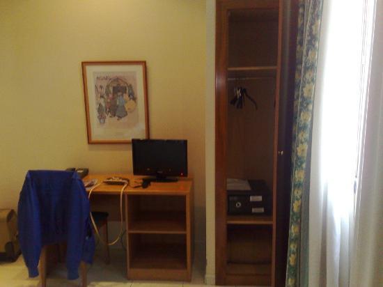 Hotel Marvi: Panoramica stanza 3