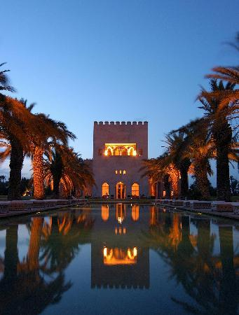 Ksar Char-Bagh: The tower by night
