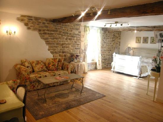 La Vieille Abbaye: A bedroom
