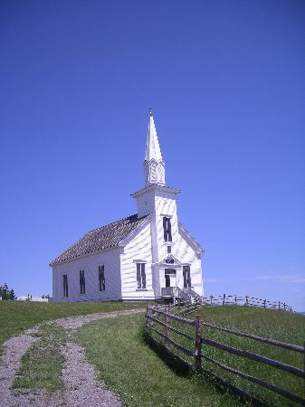 Iona, Canada: The village church
