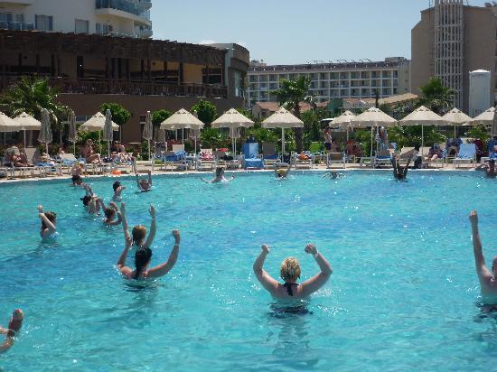 Sunconnect Sea World Resort & Spa: Sceance d'aqua gym