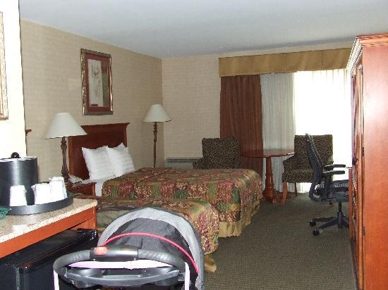 BEST WESTERN PLUS The Inn at King of Prussia: Double bed room