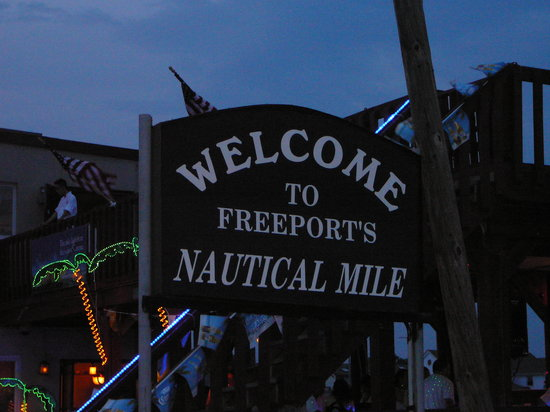 Freeport, Nova York: Welcome to the Nautical Mile