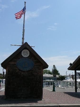 Freeport's Nautical Mile: Nautical Mile shows Patriotism