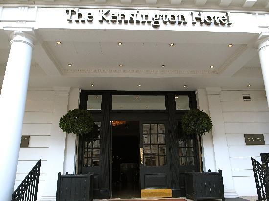 โรงแรมเดอะเคนซิงตัน: entrance