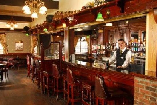 Treacys Hotel Waterford: Timbertoes bar