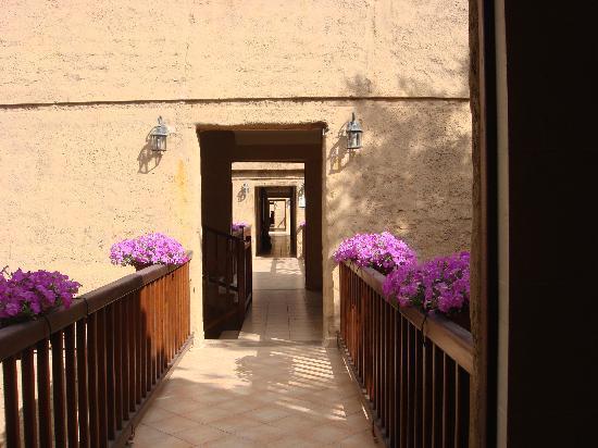 Rixos Premium Belek: Walkway to Troy Rooms