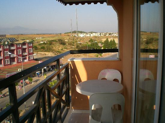 Corolla Hotel: Balcony